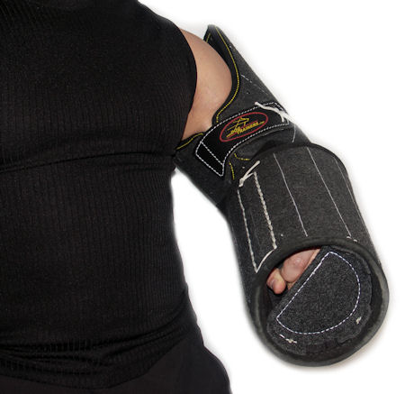 Dog protection sleeve made of double leather - Perfect for training of service and police dogs.For both arms